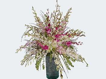 Arreglo de Orquídeas Blancas y Lilas