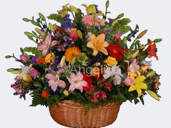 Arreglo Primaveral con Flores Finas