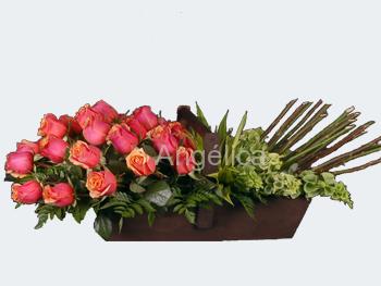 Arreglo de Rosas en Varios Colores
